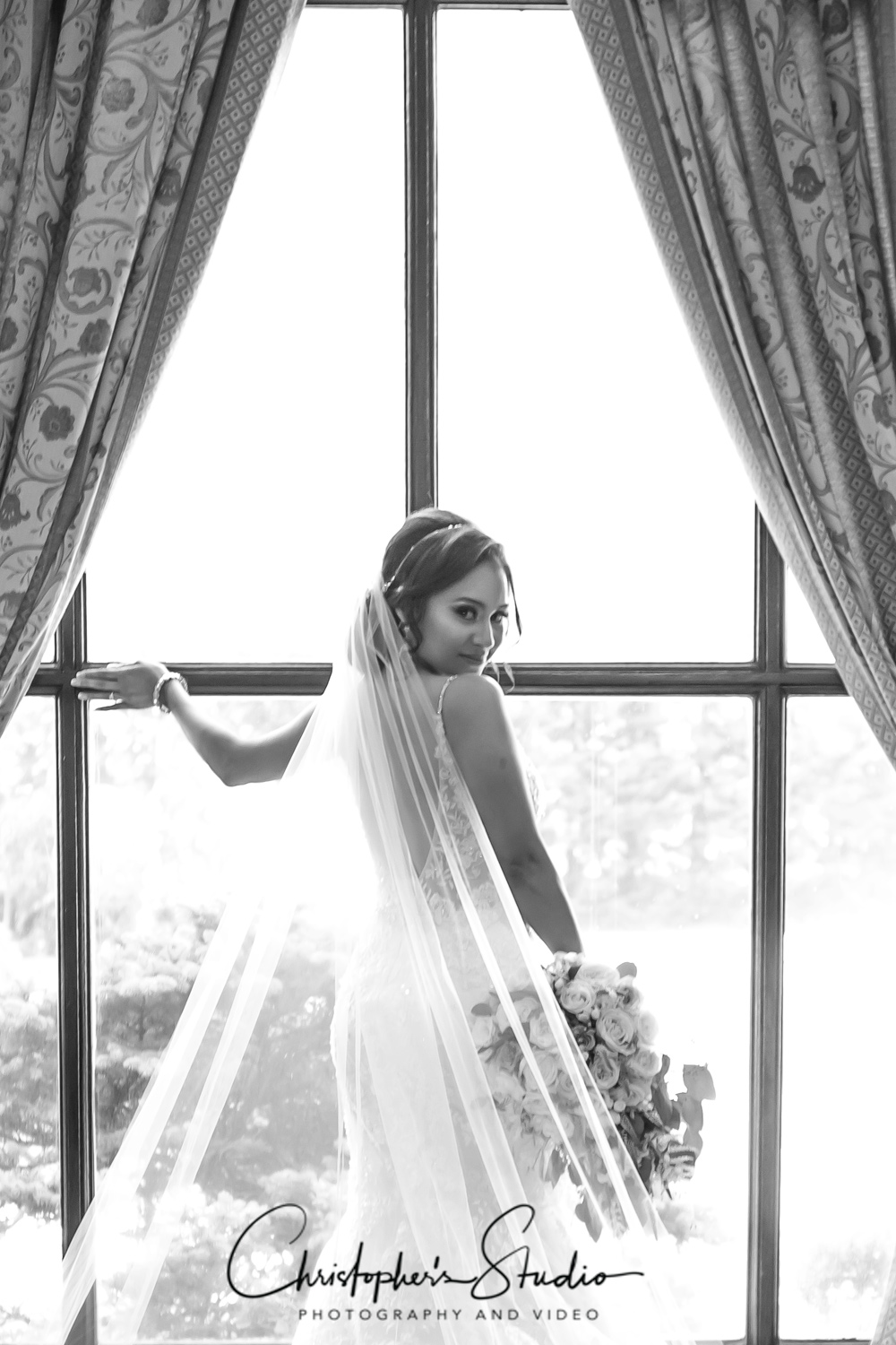 vip-country-club-bride-at-wedding-new-rochelle