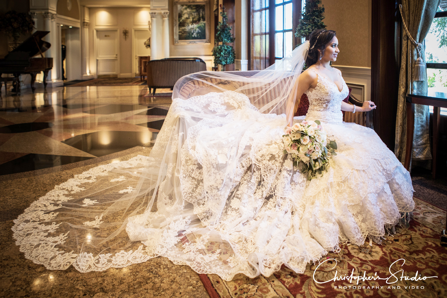 vip-country-club-bride-in-dress-photography