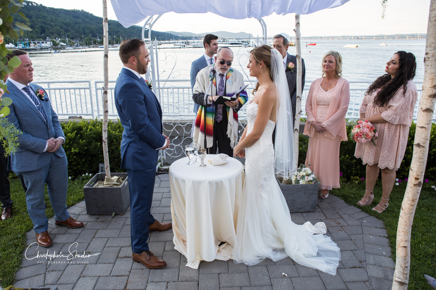 the-view-on-the-hudson-river-wedding-photographer