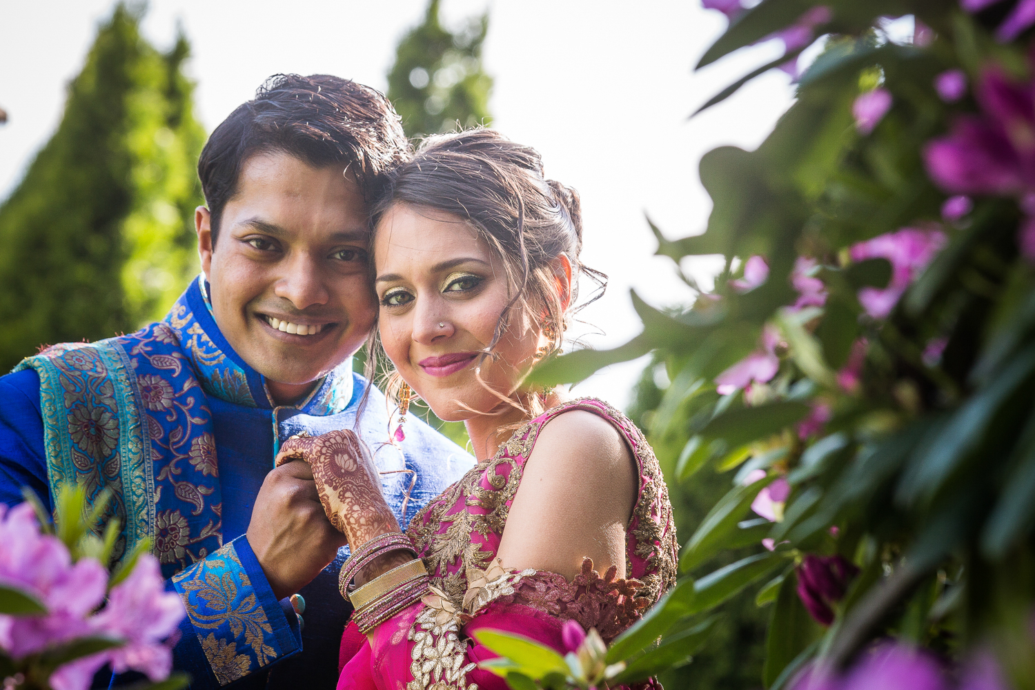 indian-wedding-photos-flowers-couple