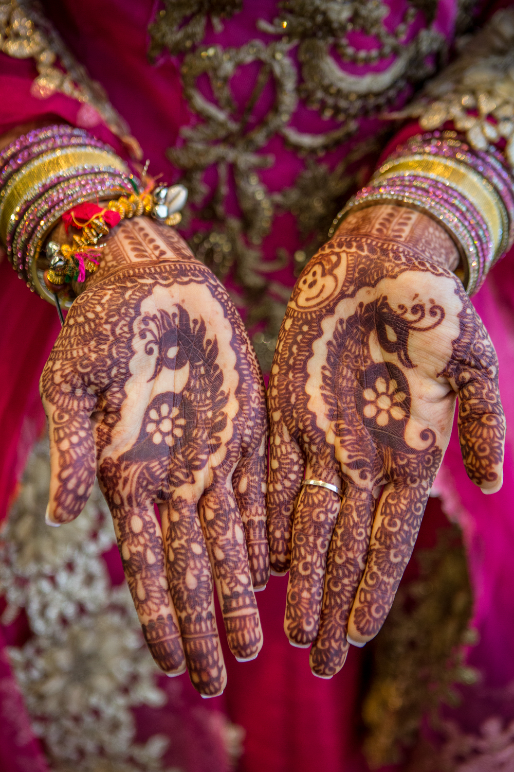traditional-henna-wedding-ceremony-photographer