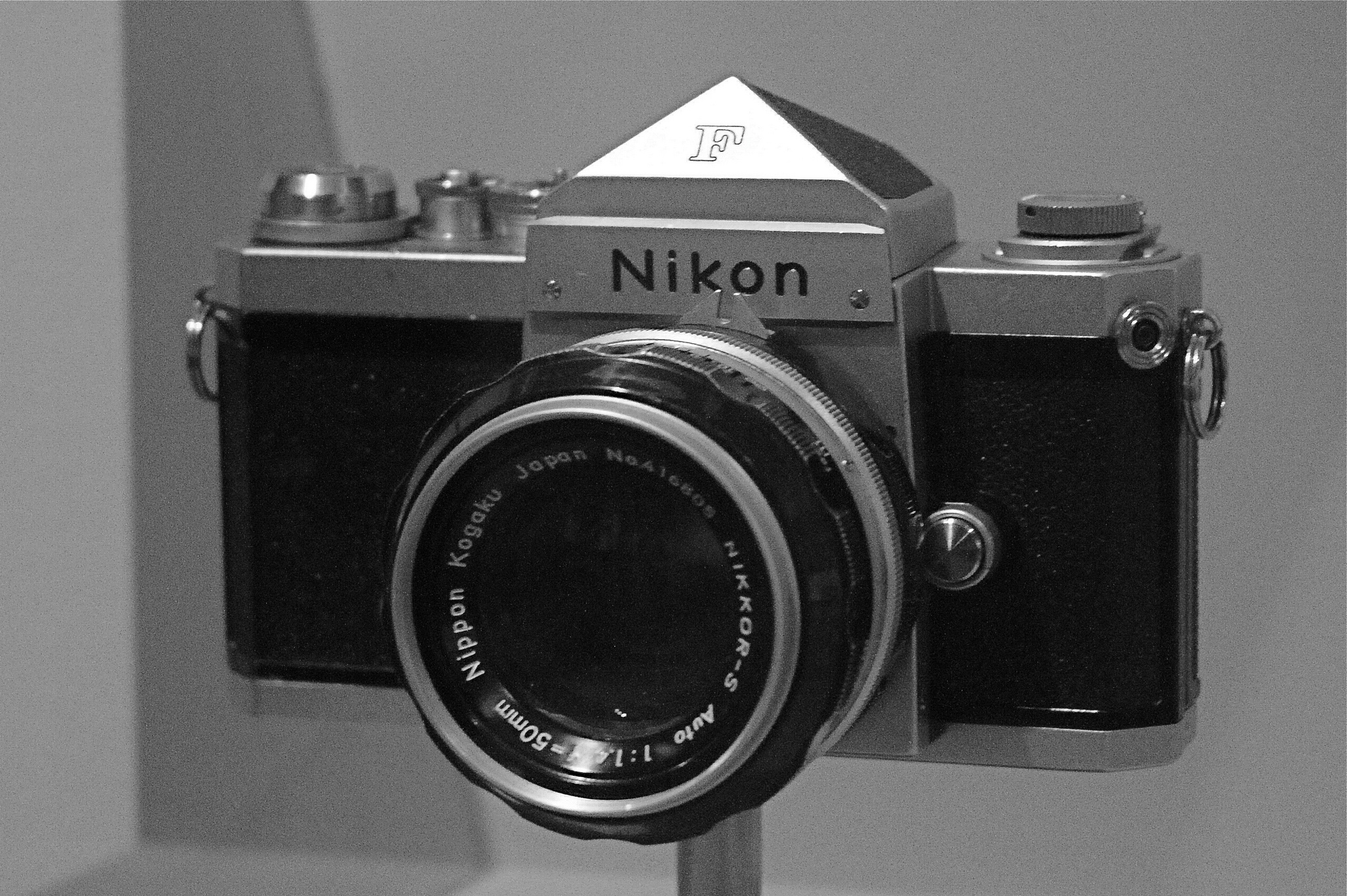 Diane Arbus' Nikon F, CC Image Courtesy of Floris van Helm on Flickr