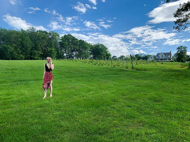 Sometimes all you need to inspire and provoke some mental clarity is the freshly cut grass of summer, bright blue skies, and a brief moment of home. . . . #vegasaurus #summer #style #instagood #vegansofinstagram #crueltyfreestyle #naturalbeauty #ct #vineyard #blondehair #naturephotography #lifestyle #plantbased #fashion #summerstyle #sunshine #vibes #eatmoreplants #outdoors #vegan #vegansofnyc #fashionista #gogreen #home #friendsnotfood #womenpower