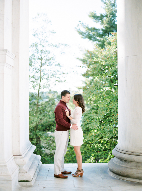 MeganSchmitz-Washington-DC-engagement-photographer_001.jpg