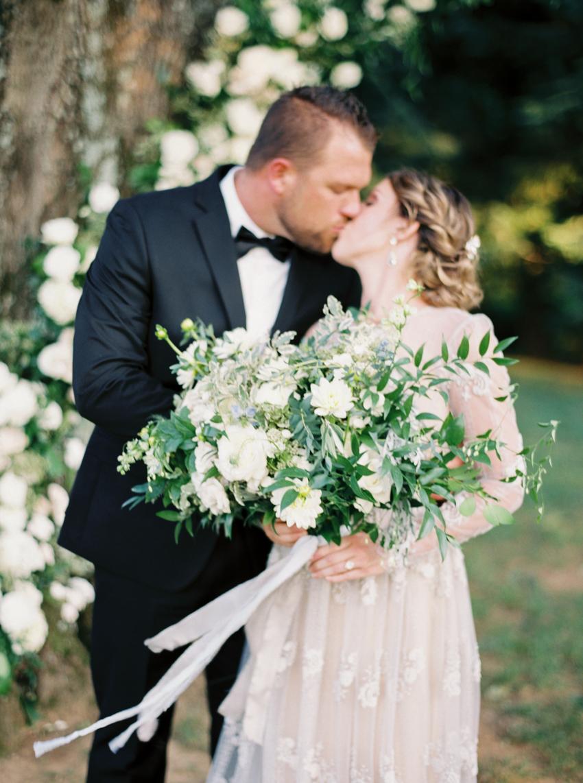 MeganSchmitz-Arlington-wedding-photographer_015.jpg
