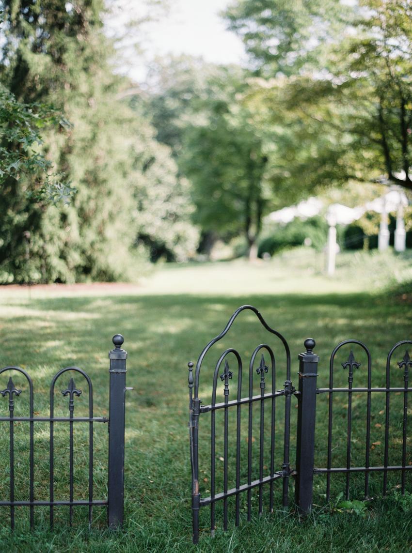 MeganSchmitz-Arlington-wedding-photographer_027.jpg