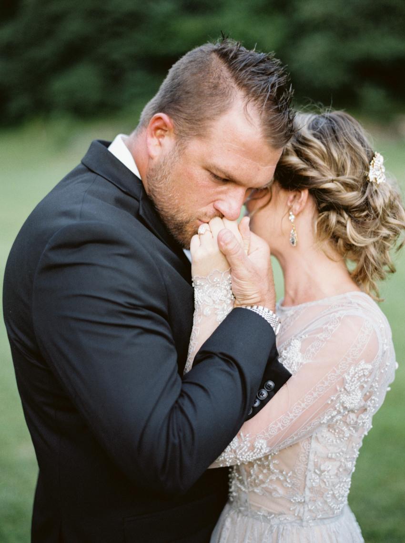MeganSchmitz-Arlington-wedding-photographer_030.jpg