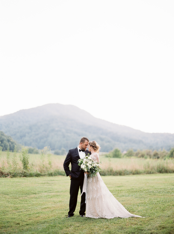 MeganSchmitz-Arlington-wedding-photographer_037.jpg