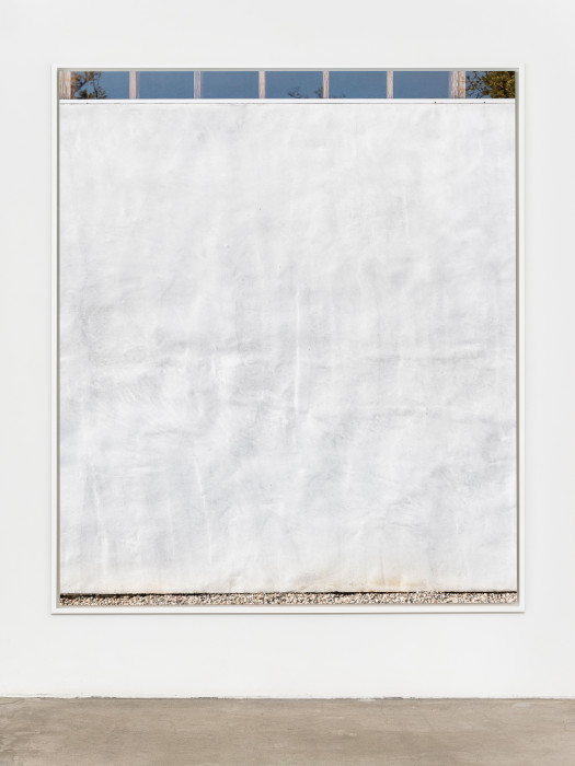 Uta Barth, Untitled (17.04), 2017, Archival Pigment print in artist frame (welded aluminum, optium), 75.75 x 64.875 x 2.5 inches (framed), edition of 6, 2 APs. Installation view 1301PE.