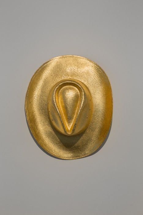 Ann Veronica Janssens, Stetson, 2013, Stetson gilded with gold leaf 23 3/4 carats, approx. 12 x 39 x 35 cm, edition 3 of 3, 2