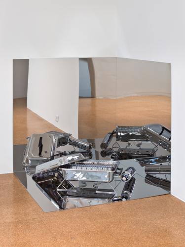 Rirkrit Tiravanija, Untitled (BBQ), 2010, Chromed stainless steel panels, barbeque, gas bottle, 3 x 3 x 3 ft