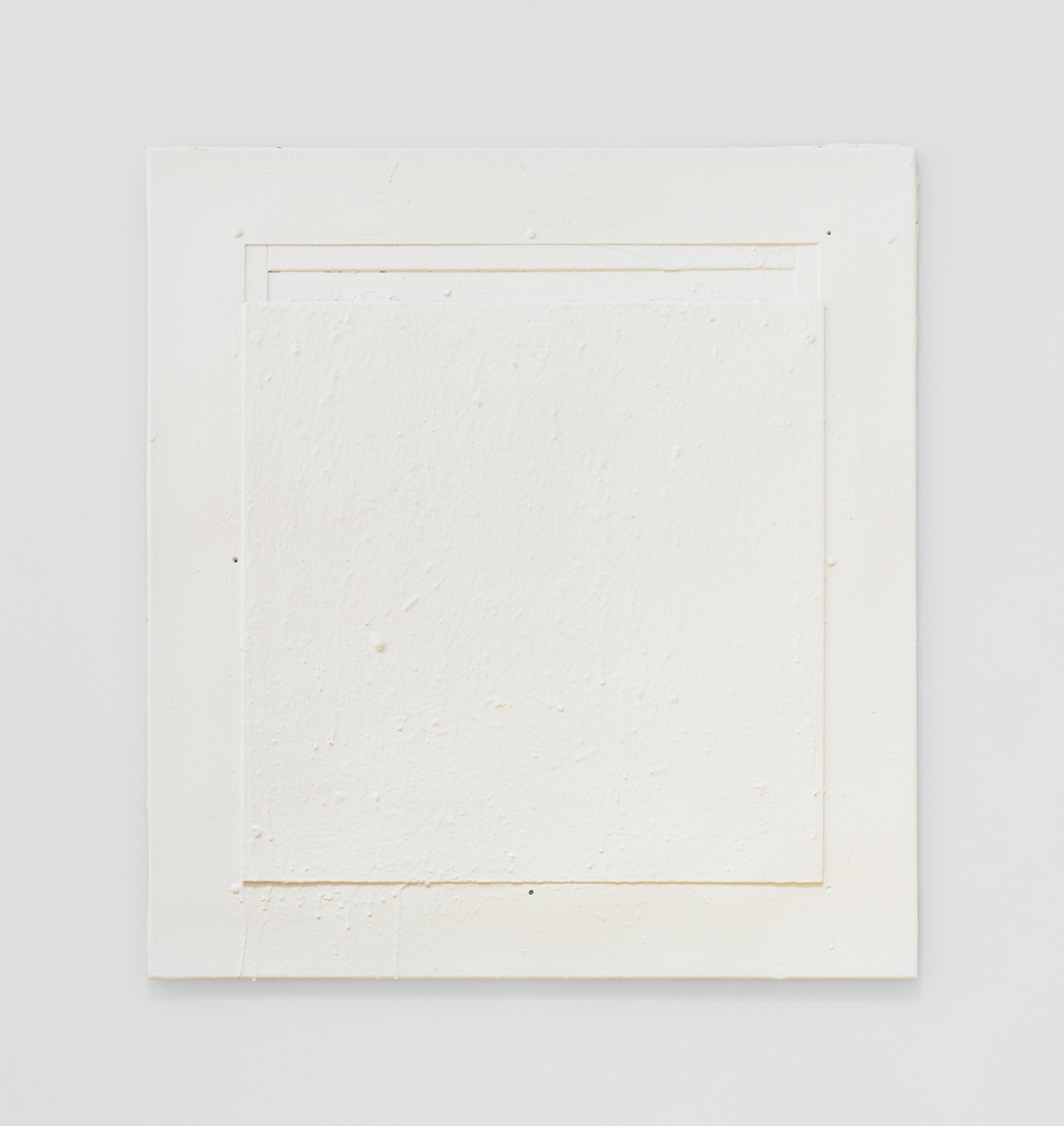 Fiona Connor, Untitled #13 (4344 Eagle Rock Blvd, Los Angeles, CA 90041), 2018. Cast resin, white acrylic paint.