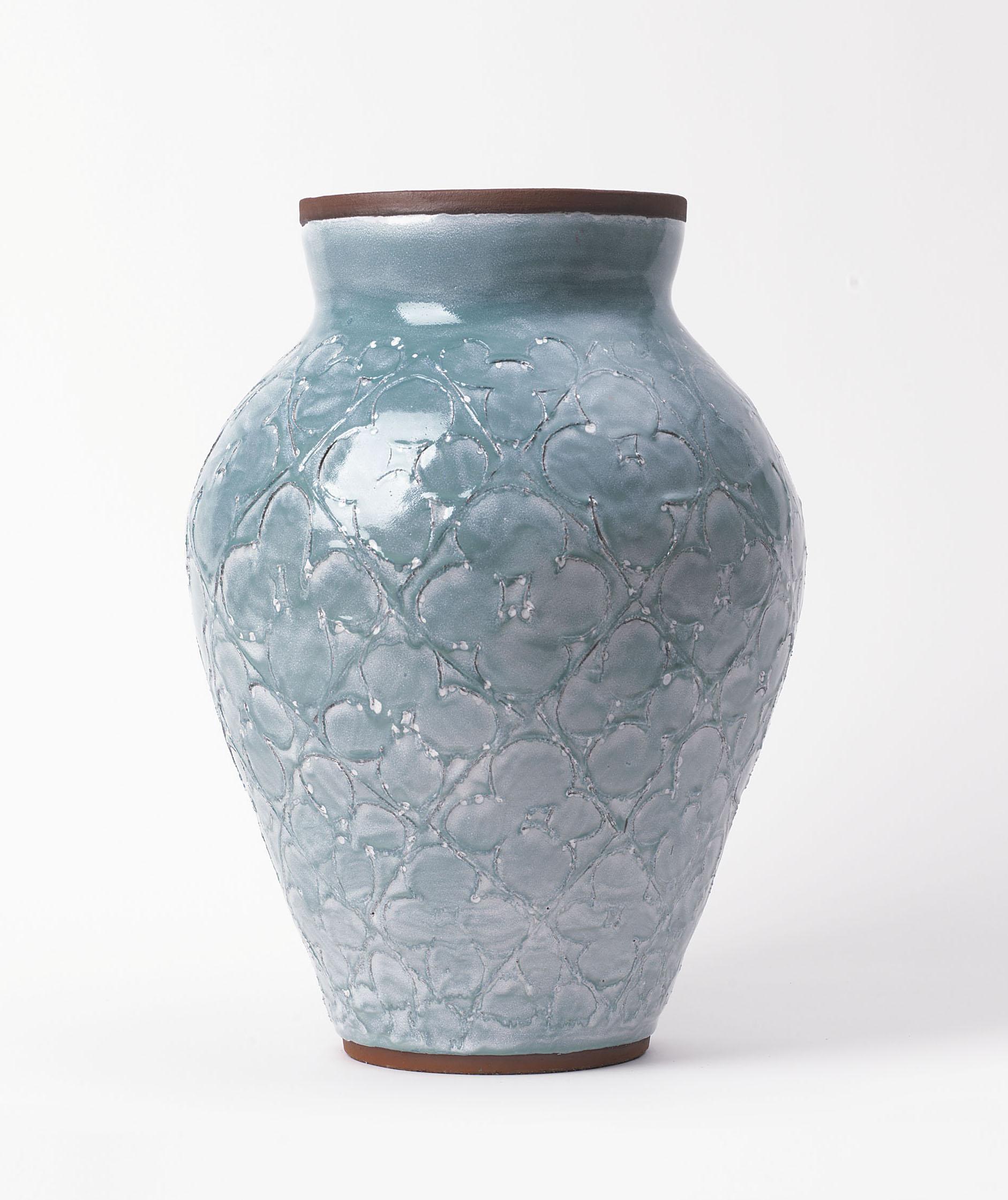 Judy Ledgerwood, Untitled, 2018, Ceramic. Photo credit Günter König.