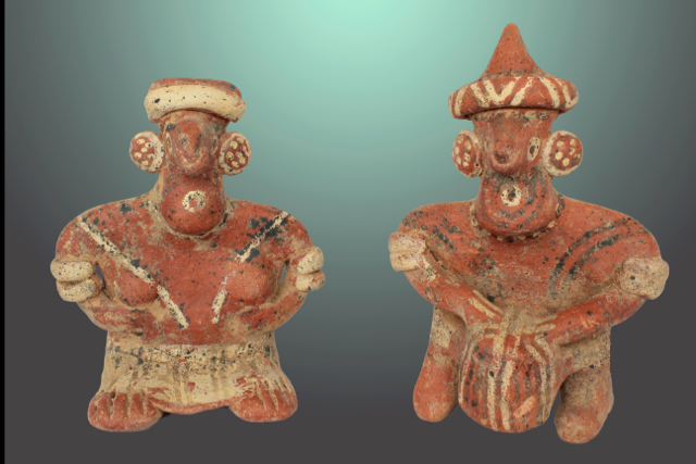 Nayarit, Ixtlan del Rio, 0-AD 400 couple singing.