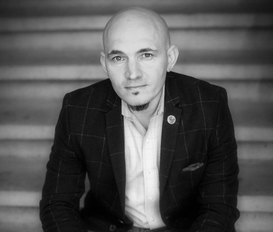 Chris Chamberlain    @elixircraftcocktails   Skills: Cocktail Development, Brand Development, Menu Development, Portfolio Management