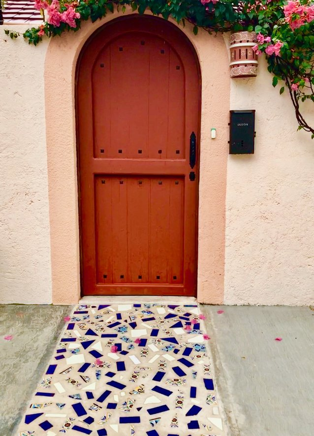 rsz_ochre-and-beige-design-blogging-service-inspiration-abroad-mexico-door.jpg