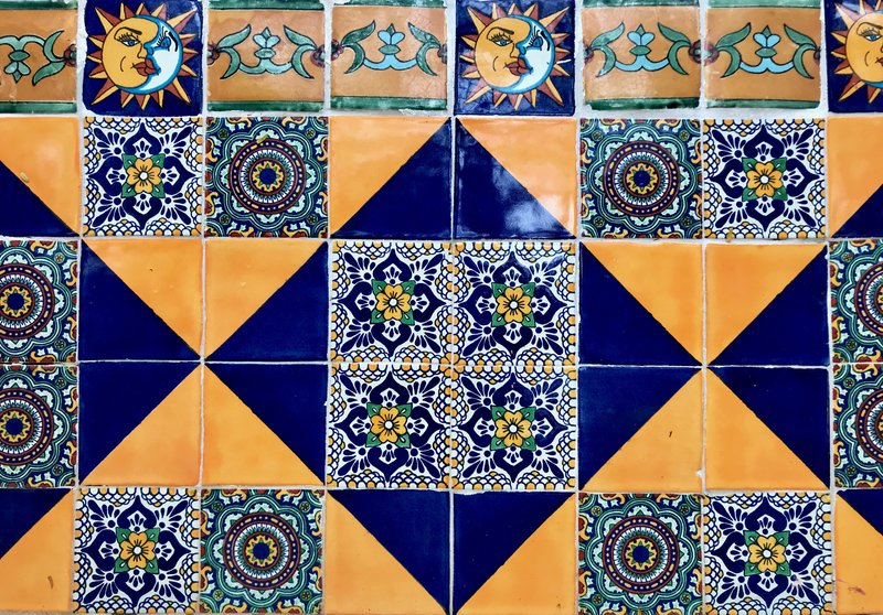 rsz_ochre-and-beige-design-blogging-service-inspiration-abroad-mexico-handpainted-tiles.jpg