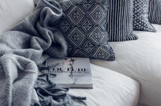 ochre-beige-o&b-blogging-studio-templates-for-interior-designers.png