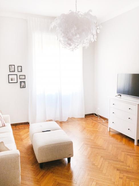ochre-beige-blog-post-template-for-interior-designers-reality-vs-hgtv.jpg