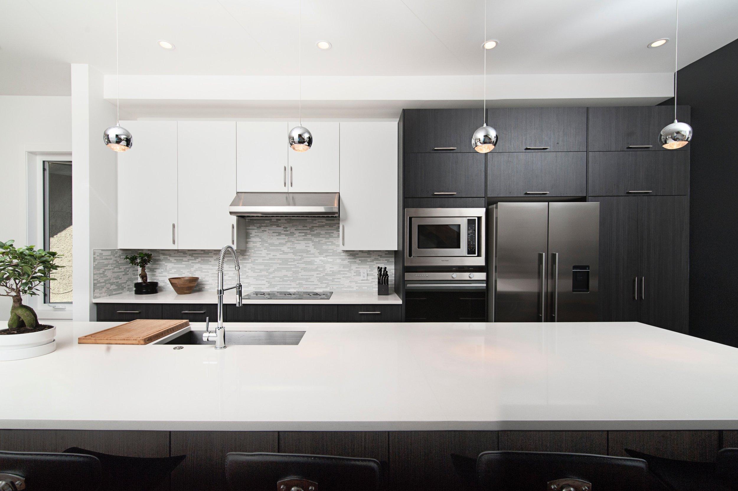 BIZ-LOCATION-real-life-interior-design-compared-to-reality-tv-kitchen-renovation.jpg
