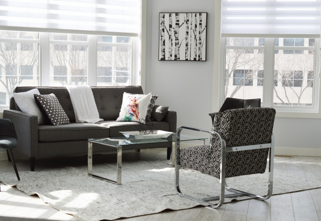 BIZ-LOCATION-realistic-interior-design-budget-living-family-room.jpg