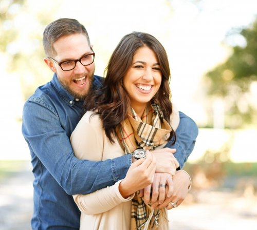 use-real-examples-in-blog-posts-happy-couple.jpg