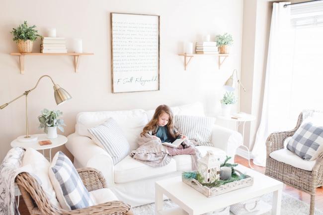 BIZ-LOCATION-art-in-living-family-room-text-quotes.jpg