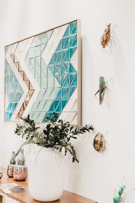 BIZ-LOCATION-art-in-home-tile-mosaic-blue-plant.jpg