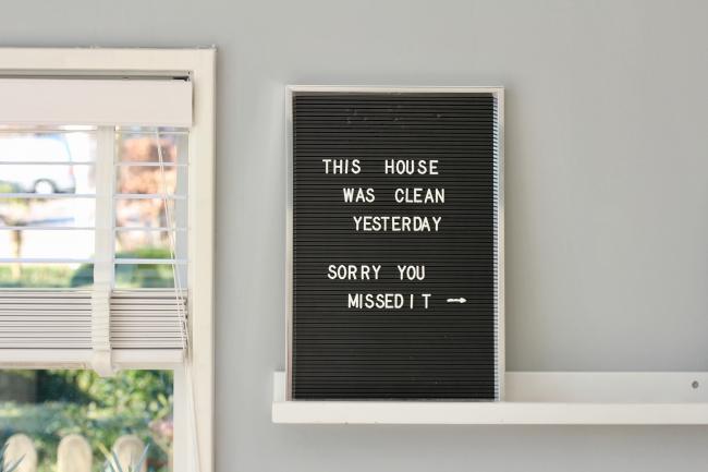 BIZ-LOCATION-art-in-home-funny-sign.jpg