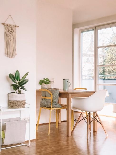 BIZ-LOCATION-art-in-home-kitchen-breakfast-nook.jpg