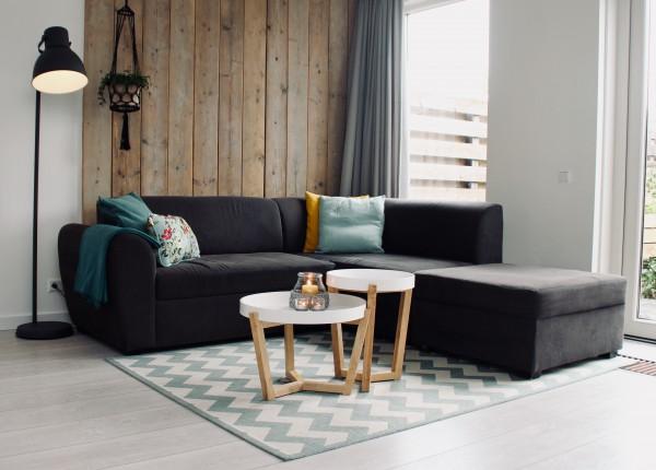 BIZ-LOCATION-how-to-choose-lighting-floor-lamp-cozy-casual.jpg