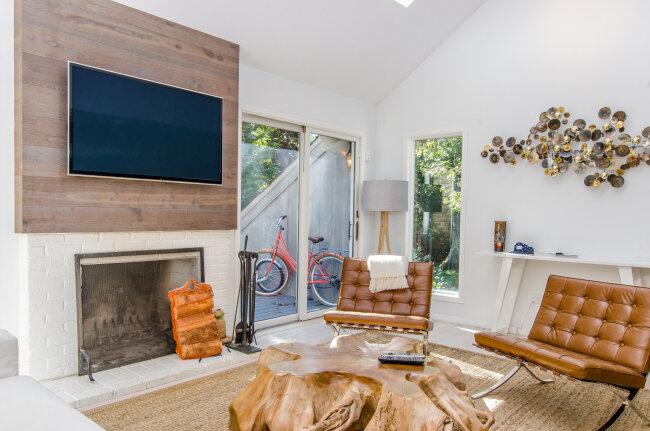 BIZ-LOCATION-fall-winter-decor-fireplace-living-room-warm-tones.jpg