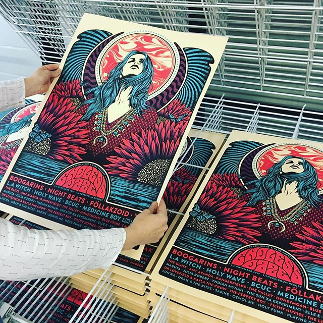 These commemorative posters by @1horsetown for @endlessdazefest worked out pretty good  #screenprinting #studiolife #endlessdaze #1horsetown #blackriverstudio #printstudio #print #posterart