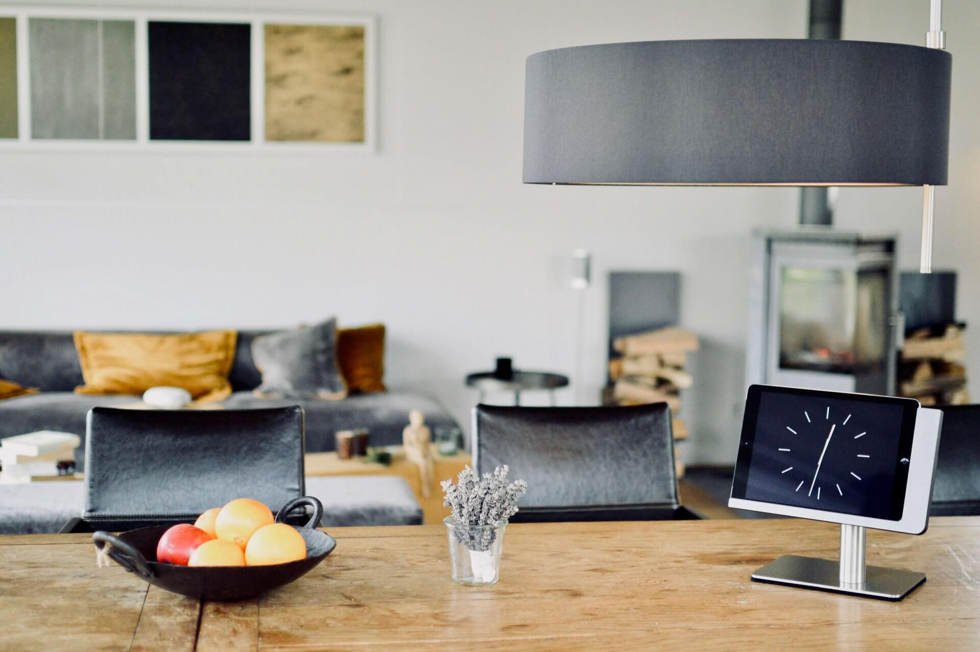 """free flex - """"With the Viveroo free flex docking station, your tablet is right where you need it, when you need it"""""""