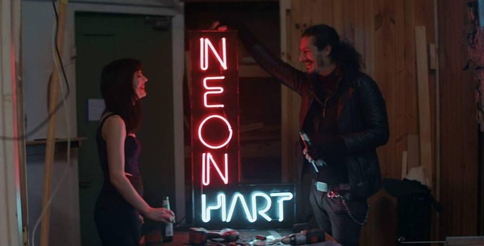 neon hart.jpg