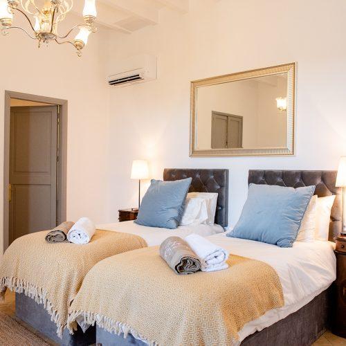 Room-04_The-Body-Camp-Mallorca_Sofia-Gomez-Fonzo-7-500x500.jpg