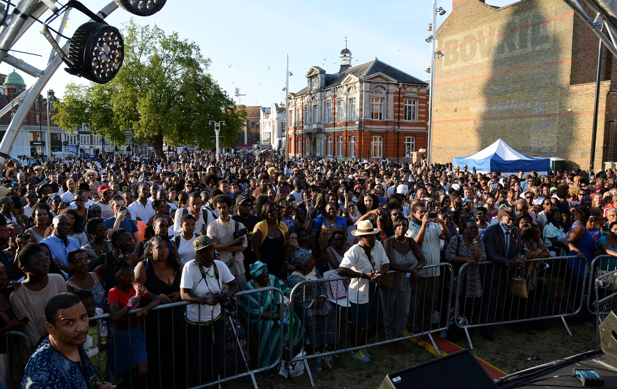 DSC_5382 Windrush Square crowd.jpg