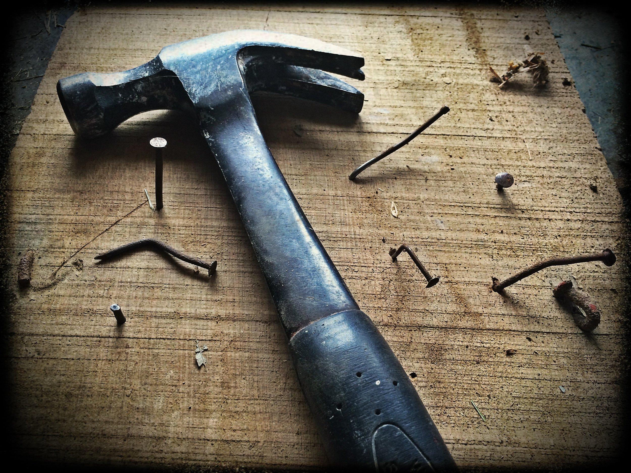 broken-builder-carpenter-209235.jpg