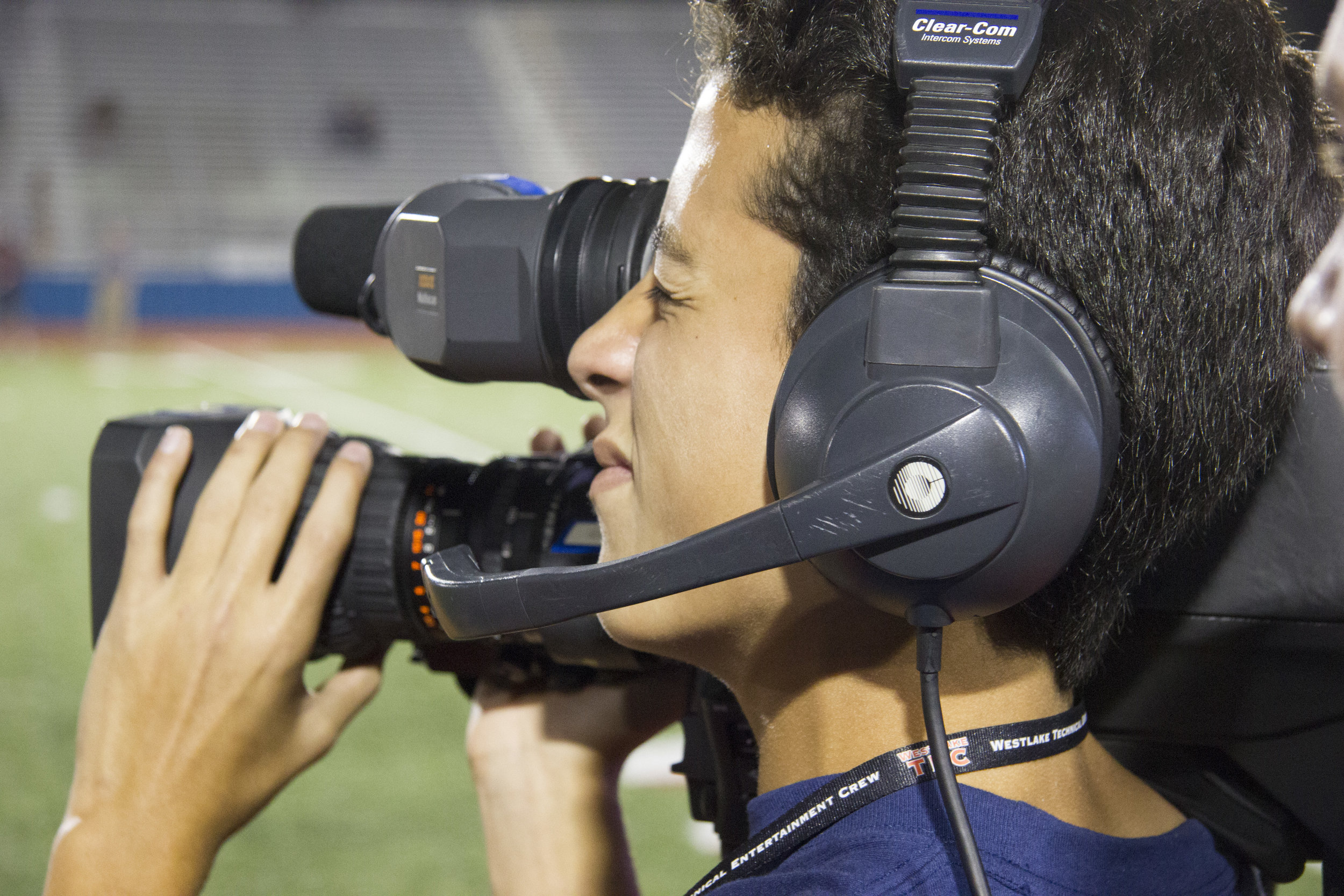 Jaden Williams Operating Shoulder Camera b.jpg