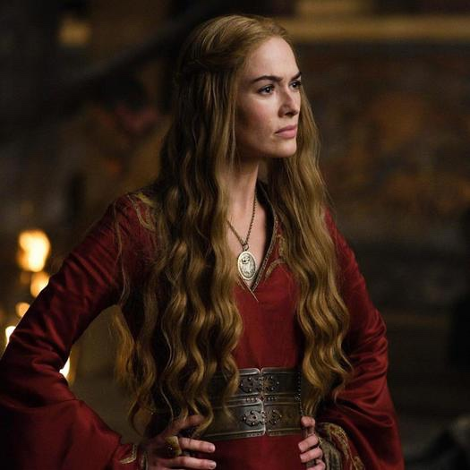 Season One Cersei will teach you how to achieve soft waves with your flat iron