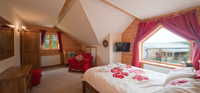 Beech Tree Lodge (Sleeps 9)