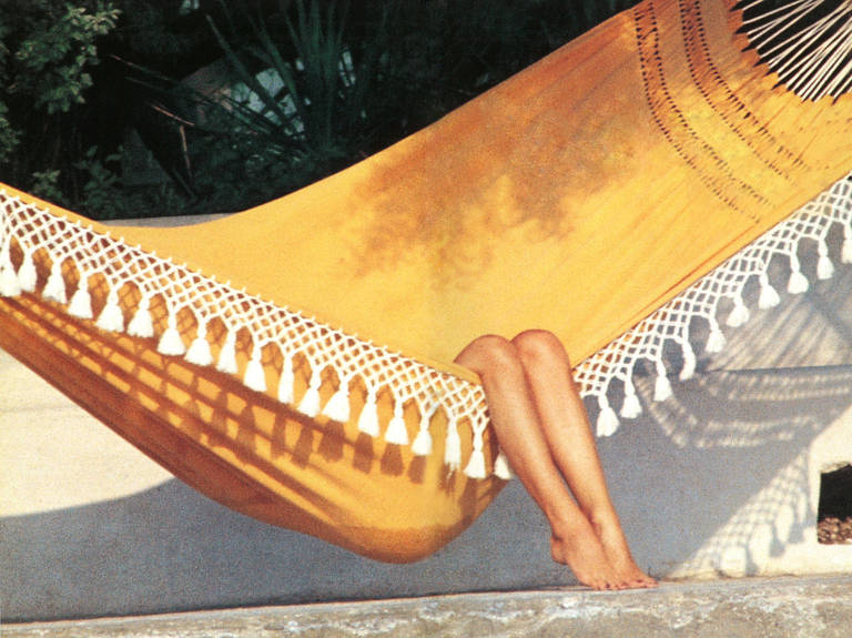 Undercurrent_AARONS_Bardot_Relaxing_in_St_Tropez_l.jpeg