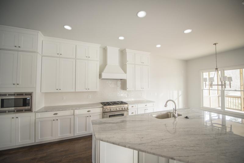 755 Kitchen 3.jpg