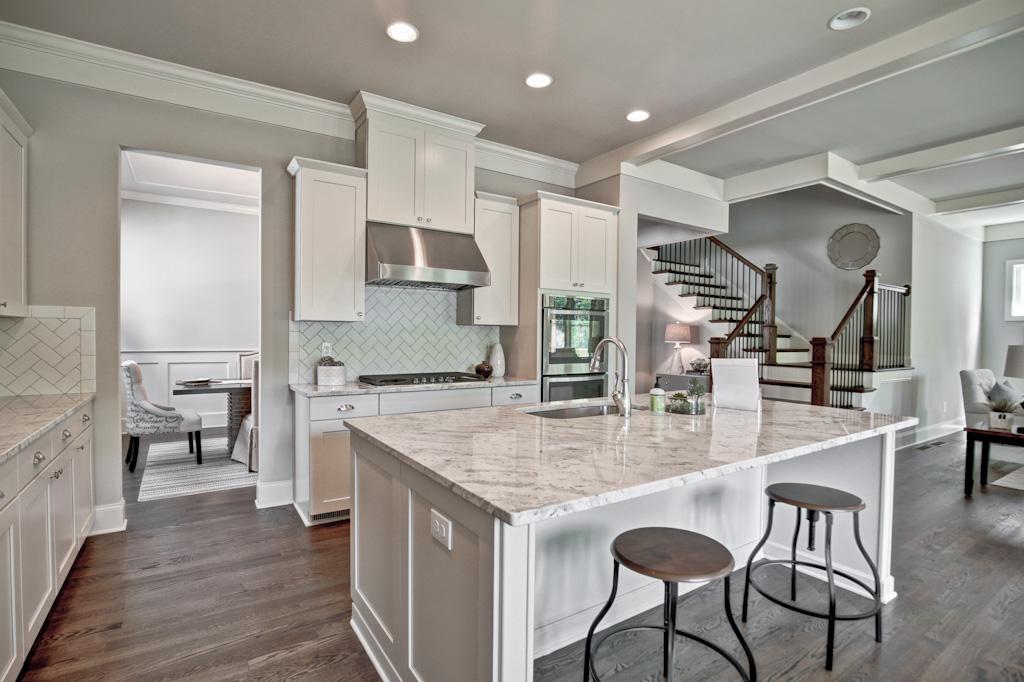 1383 Kitchen 2.jpg