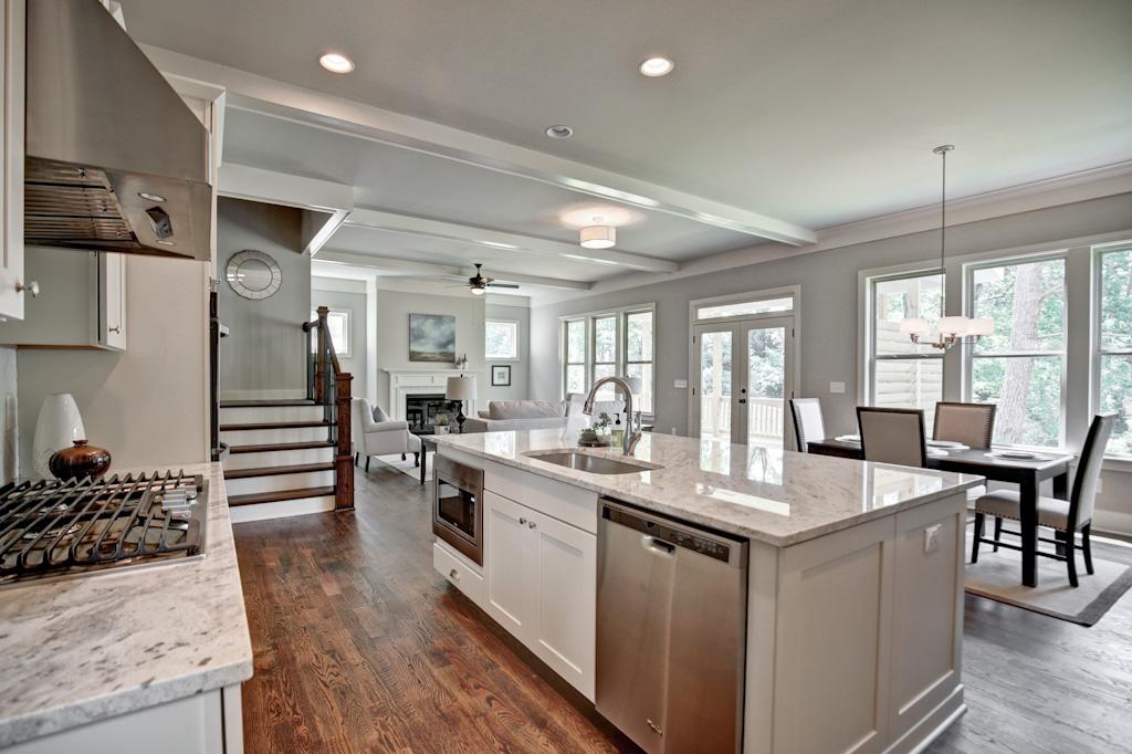 1383 Kitchen 3.jpg