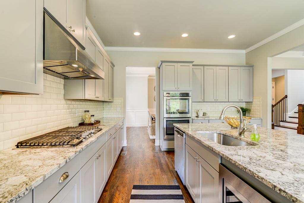 1387 Kitchen 6.jpg