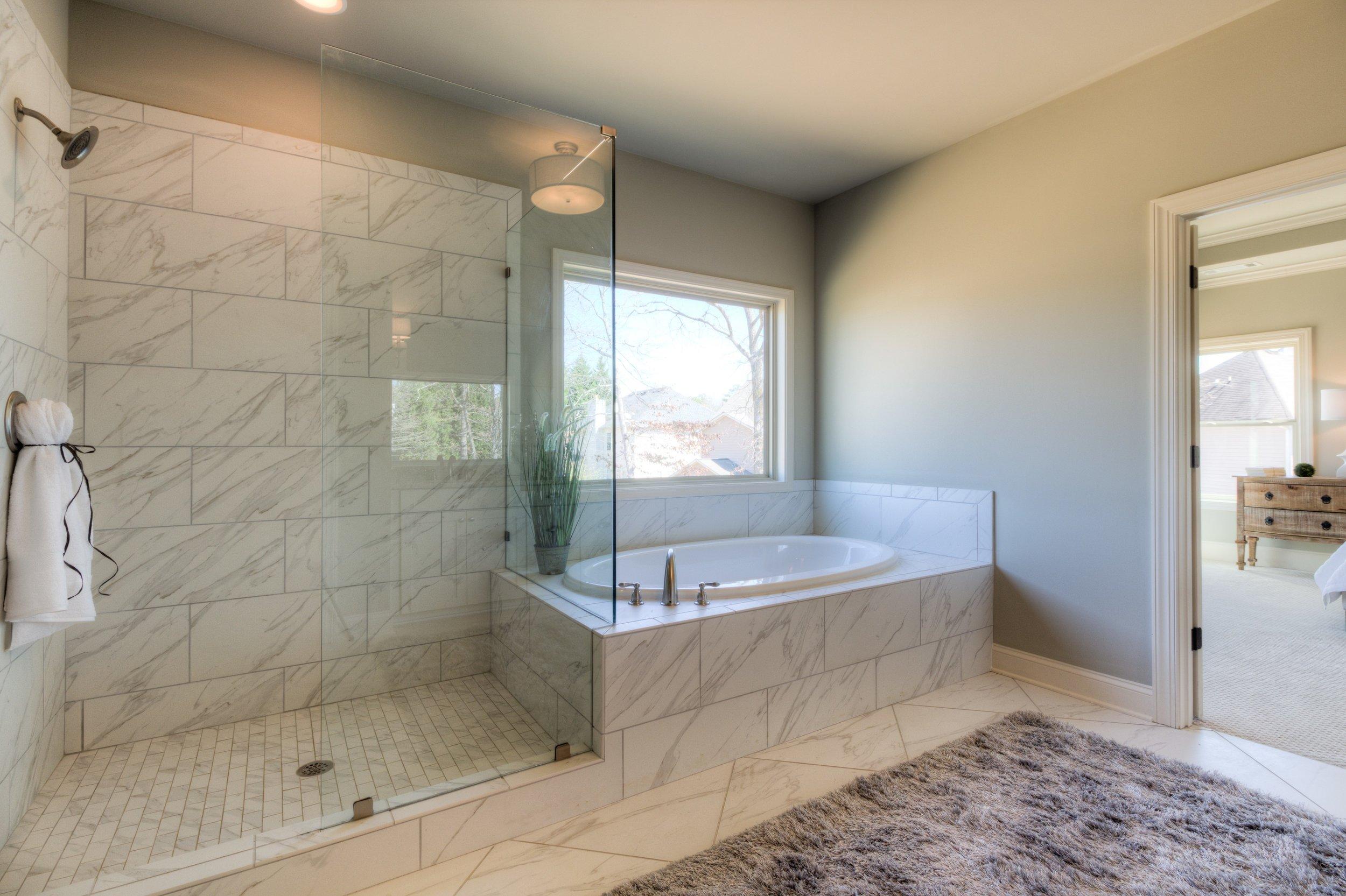 LG6 Master Bath 1.jpg