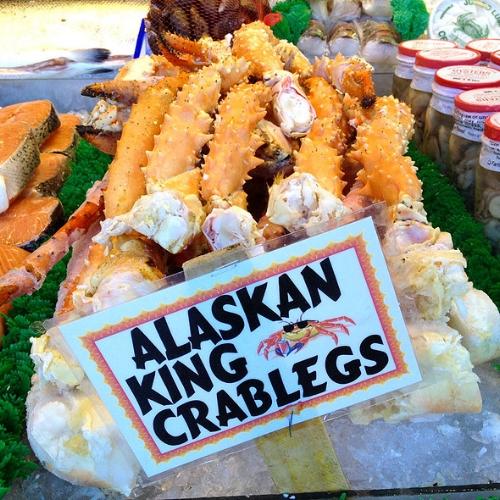 thumb_600_alaskan king crab legs.jpg
