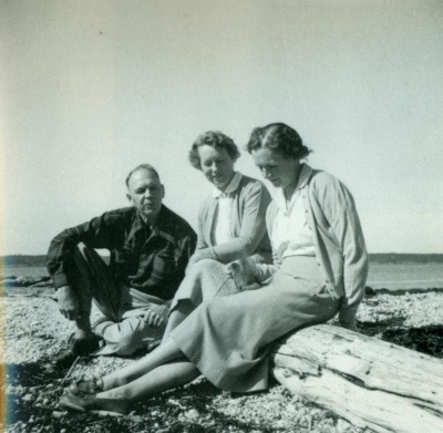 Carson with Dorothy Freeman and her husband Stan.