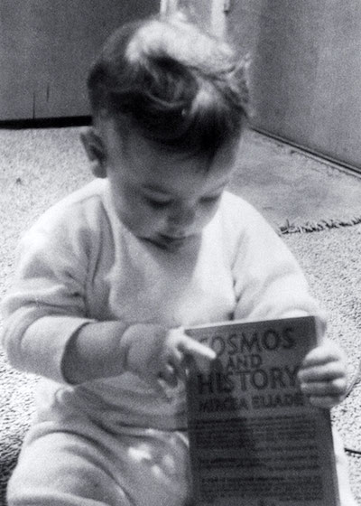 Margulis's eldest child, Dorion Sagan. Margulis and her son would later author several books together, including the influential  Microcosmos  (a dig at Carl Sagan's  Cosmos  perhaps?)